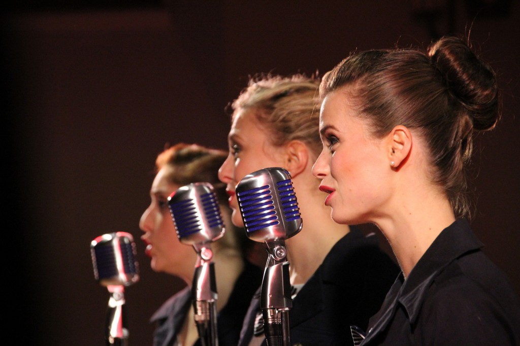 singers-843199_1920